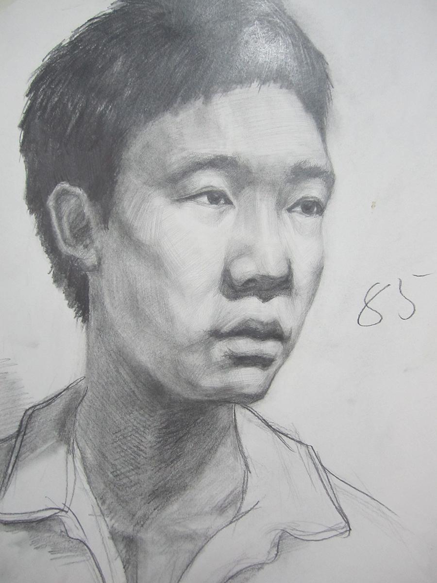 学生头像素描作品二